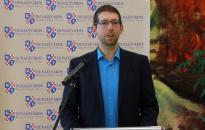 Rendkívüli sajtótájékoztatót tartott Szabó Zsolt a Gombos-ügyről