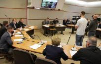 Közgyűlés: sok-sok fontos napirenddel – és Gombos függetlenként folytatta