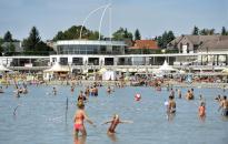 Nem az összes szabadstrandot zárták be a Velencei-tónál
