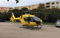 Mentőhelikopter szállt le a Béke városrészben