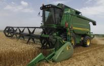 Csúszik az aratás