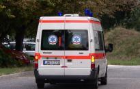 Zavart viselkedés - A rendőrök hívtak mentőt egy nőhöz az utcán