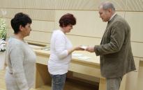 Jótékonysági adomány 72 családnak a Fidesz helyi szervezetétől