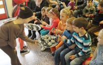 Iskolanyitogató a Dózsában