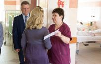 Adományátadó a kórház gyermekosztályán
