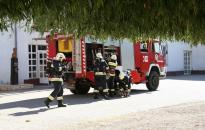 Gázpalackokat mentettek a tűzoltók
