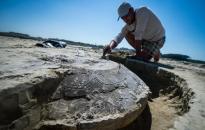 Értékes bronzkori sírleletek Szalkszentmártonnál