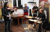 Balkán Sound koncert ezúttal a Művész teraszán