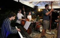 Kis esti zene - Ég Alatti Quartet a Művész teraszán