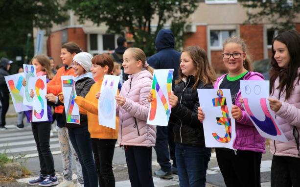 Diákcsapat a Szórád Márton úton – nagy köszönettel