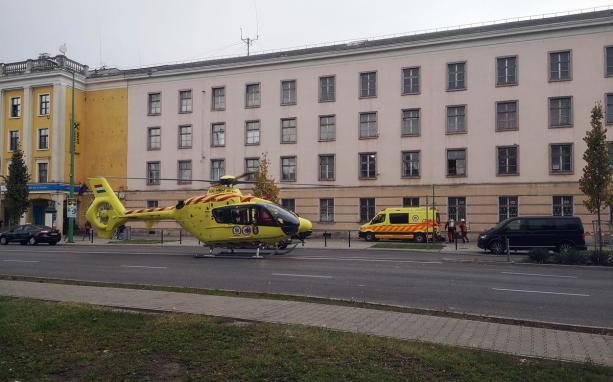 Mentőhelikoptert is riasztottak a Vasmű útra (FRISSÍTVE)