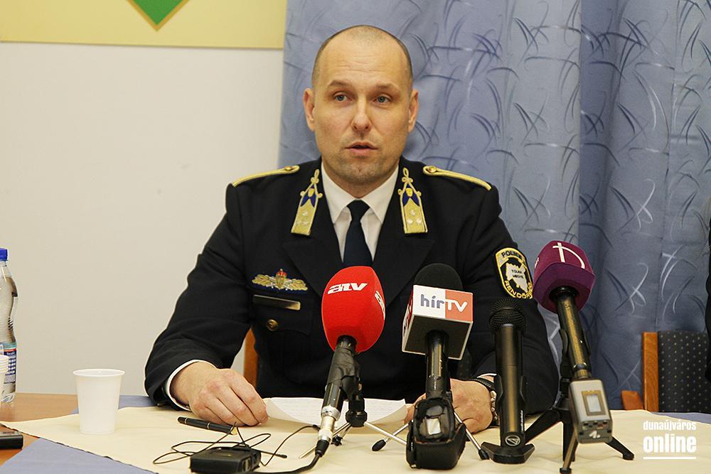 Image result for rendőrségi sajtótájékoztató