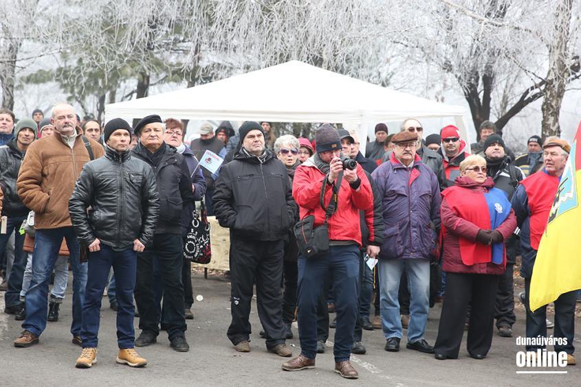Tüntetés a Vasmű előtt - fotó: Sándor Judit