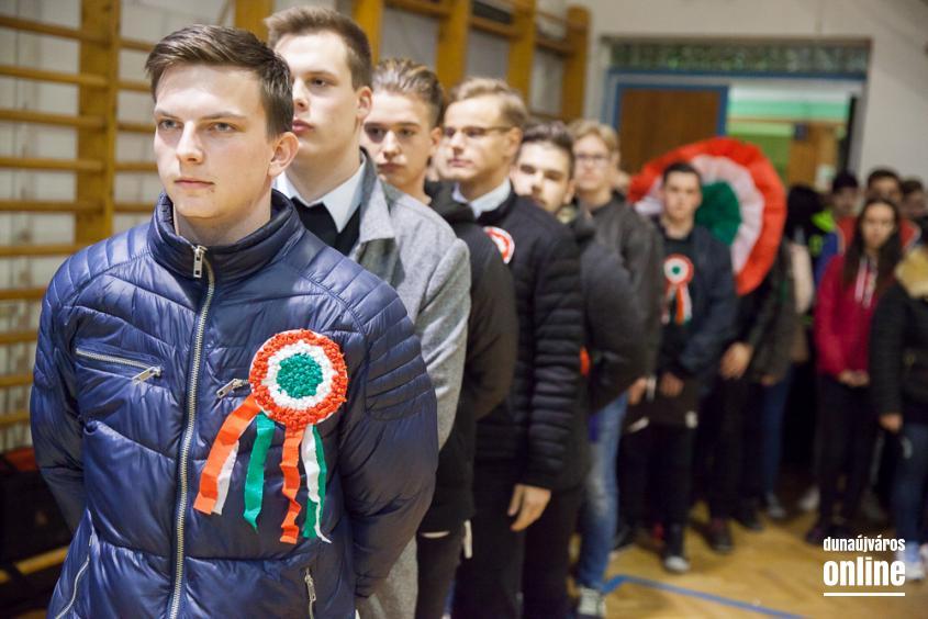 Ünnepi fáklyás felvonulás - fotó: Ónodi Zoltán