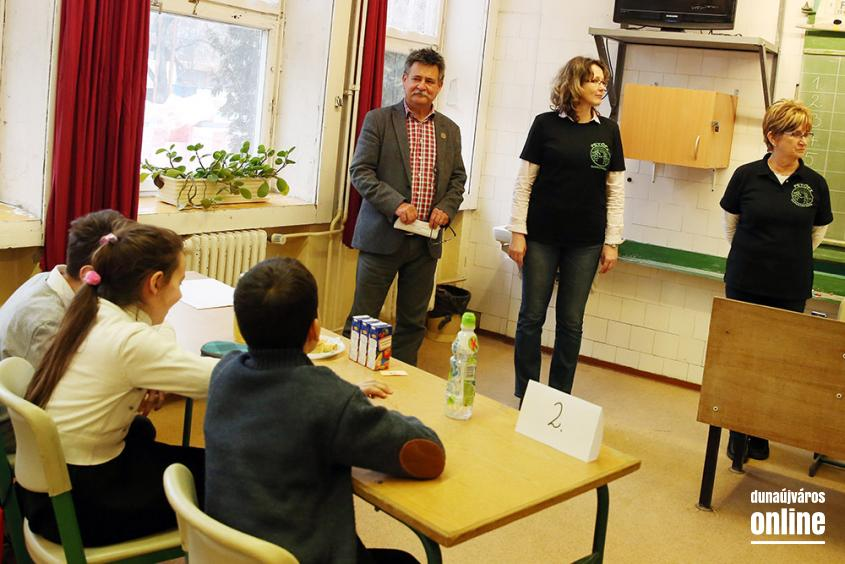 Anyanyelvi vetélkedő a Petőfiben - fotó: Sándor Judit