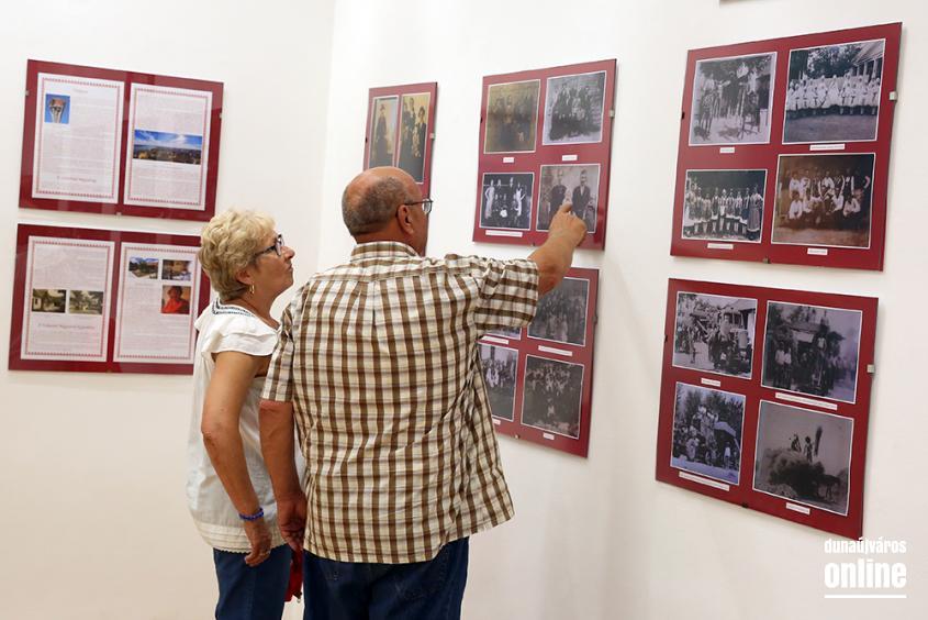 Falvédő kiállítás - fotó: Sándor Judit