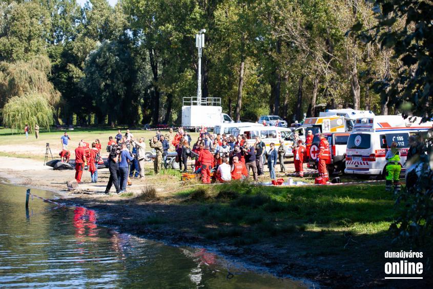 Vöröskeresztes gyakorlat a Szalki-szigeten - fotó: Ónodi Zoltán