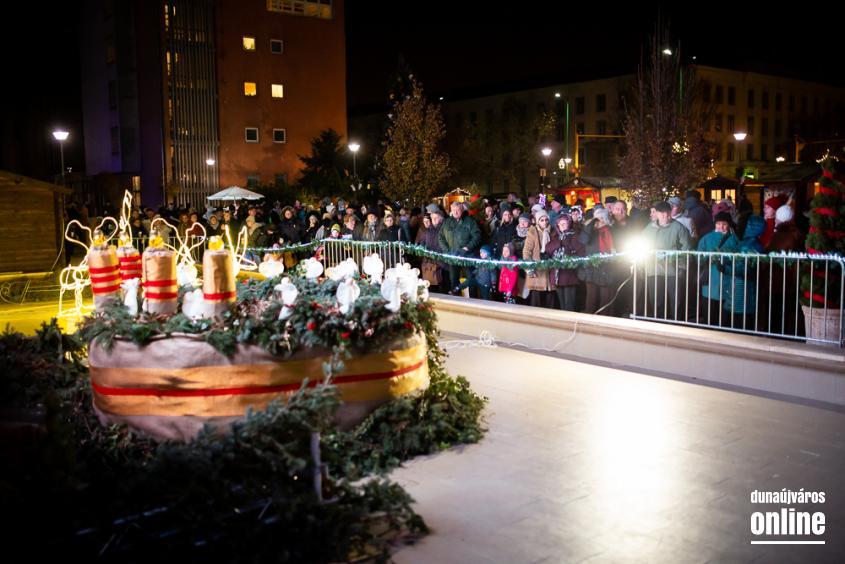 Advent első vasárnapja a főtéren - fotó: Ónodi Zoltán