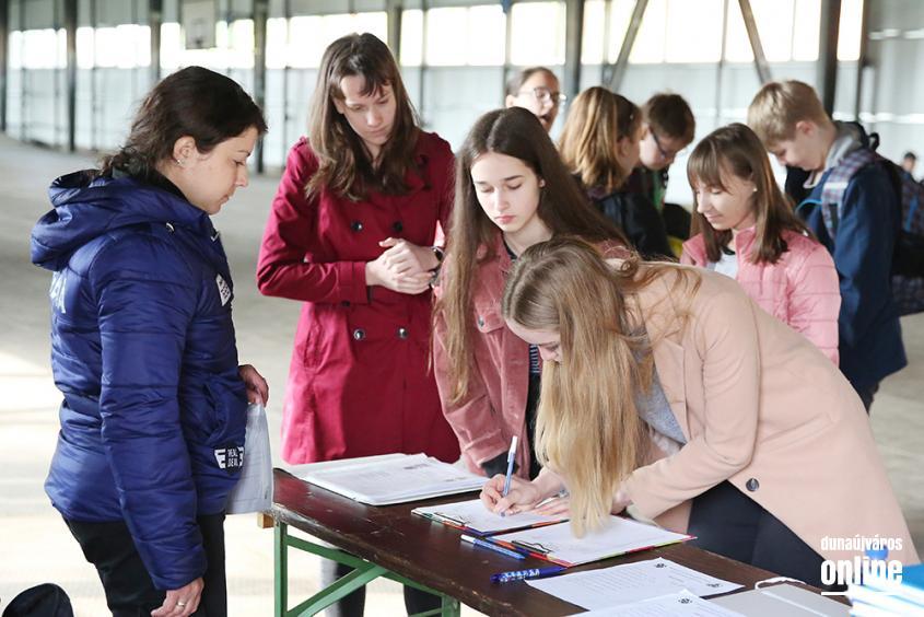 Katasztrófavédelmi verseny diákoknak (2019) - fotó: Sándor Judit