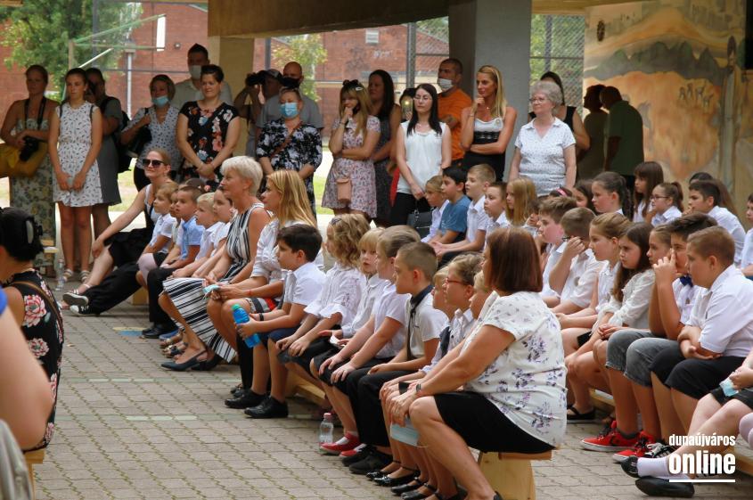 Köszöntővel kezdődött a tanév a Szabó Magda iskolában - fotó: