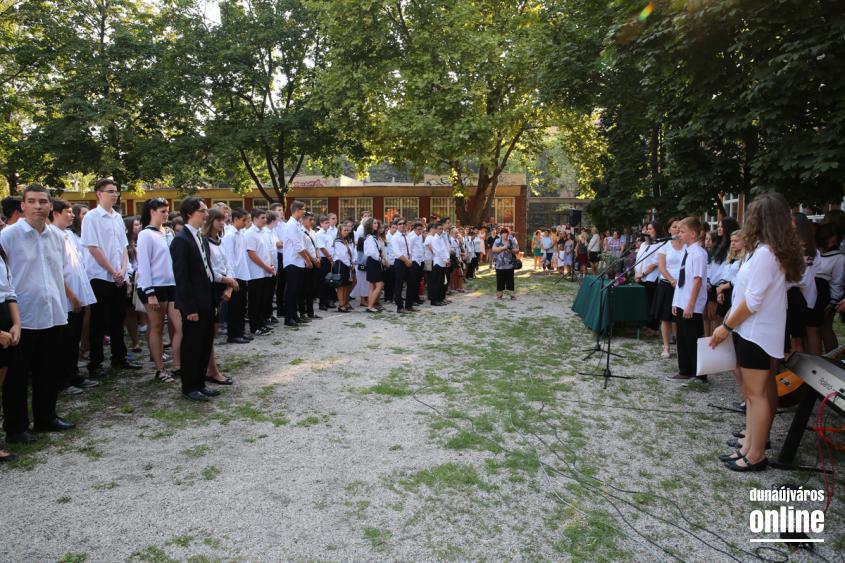 Tanévnyitó ünnepségek városszerte - fotó: Ónodi Zoltán