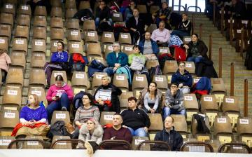 Mezátadó a sportcsarnokban - fotó: Ónodi Zoltán