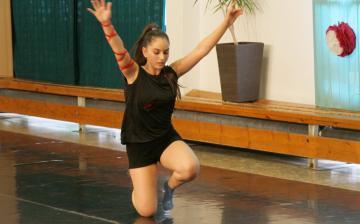 Gárdonyi: táncos tanévzáró - fotó:
