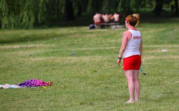 Kánikulai különkiadás a szabadstrandról - fotó: