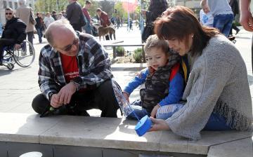 Az autizmus világnapja - Minifesztivál a főtéren - fotó: Sándor Judit