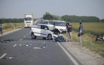 Nyolc halott, kétszáz sérült - Fekete hétvége az utakon