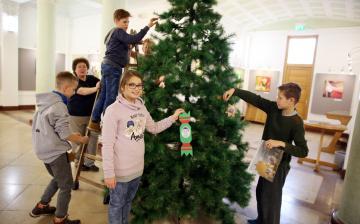 A karácsonyfa nem csak díszlet
