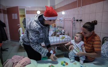 Karácsonyi ajándékok a kis betegeknek