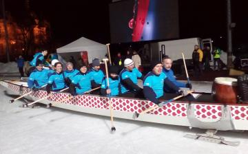 Sárkányhajóval a jégen