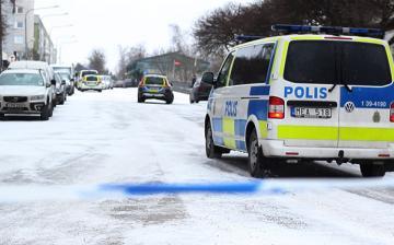 Négy migráns elvágta a torkát egy svéd nőnek