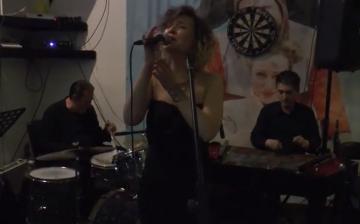 Jazz magyarul , spanyolul és portugálul
