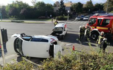 Felborult egy autó a Kallósnál