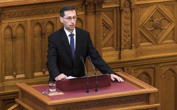 Varga Mihály: ideje volt felminősíteni az országot