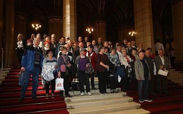 """Pintér a """"far-hát kommandóval"""" parolázott ma a Parlamentben"""