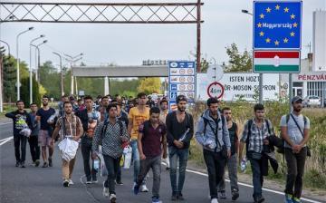 Brüsszelnek mielőbb le kell állítania a migránskártyaprogramot