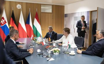 Orbán Viktor: Soros emberéből akarnak bizottsági elnököt csinálni