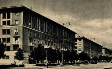 """Dunaújváros mesél: """"Emberek és városuk"""""""