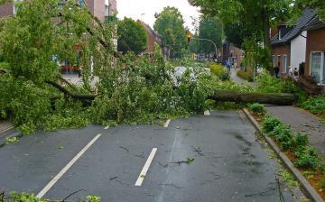 110 helyszínen okozott károkat a viharos időjárás