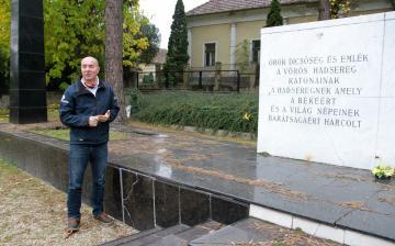 Méltó helyet keresnek a szovjet emlékműnek
