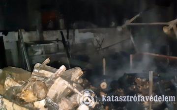 Tassi tűzhöz riasztották a dunaújvárosi lánglovagokat