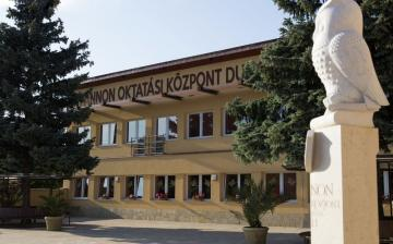 Nyelvtanulás és sikerek a Pannonban