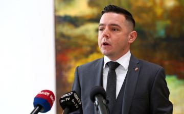 """""""Innen kérjük Kubatov Gábort, kösse meg a kutyáit"""""""