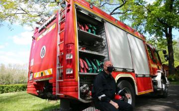 DSTV: tűzoltók a szigeten