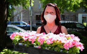 Virág és maszk a városlakókért
