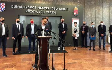 Össz-ellenzéki kiállás – éppen Dunaújvárosban