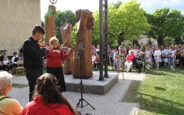 Szabadtéri koncerttel búcsúztak a tanévtől (galériával)